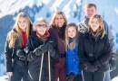 Король Виллем-Александр и королева Максима с семьей на горнолыжном курорте в Австрии
