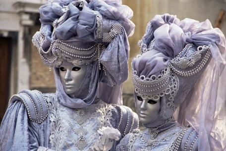 Venice, Italy --- Renaissance Lord and Lady Costumes at Carnival --- Image by © Roy Rainford/Robert Harding World Imagery/Corbis
