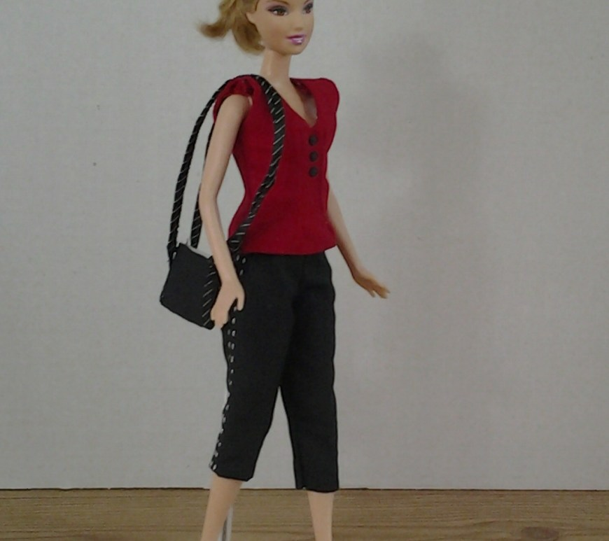 Visit ChellyWood.com for free, printable sewing patterns for dolls of many shapes and sizes. Image shows fashion doll wearing hand-made capri pants, sleeveless summer shirt, and carrying a strappy purse.