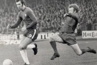 Peter Osgood (esquerda), um dos ídolos dos Blues (Foto: Daily Mail)