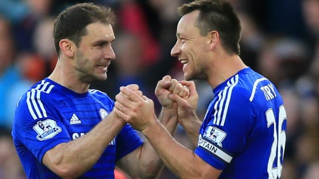 Terry e Ivanovic foram um dos escolhidos para a seleção da temporada (Foto: Chelsea FC)