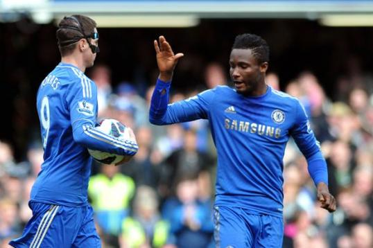Torres e Mikel em campo- duas desilusões numa só foto ( Foto: calciomercato.com)