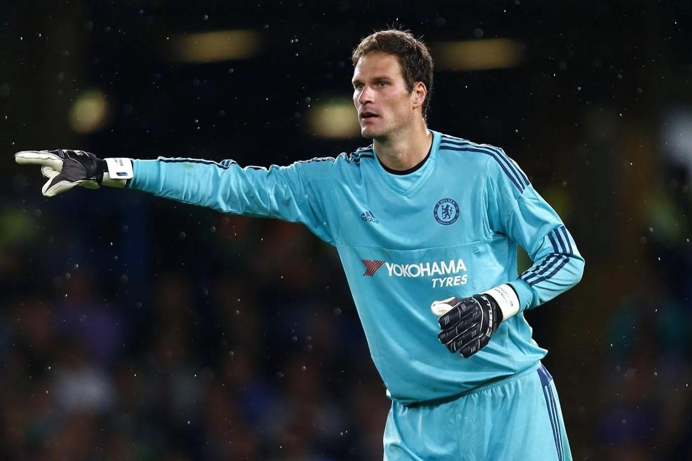 Begovic foi das primeiras contratações (Foto: Getty Images)