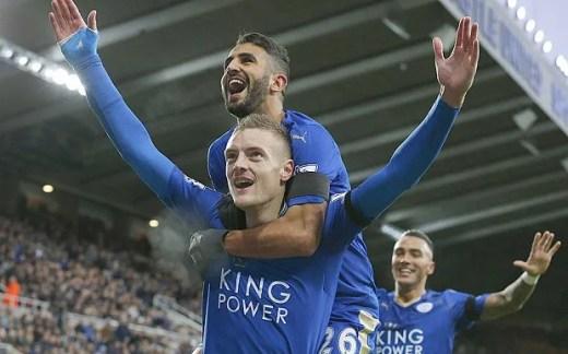 Jamie Vardy é um dos destaques da Premier League (Foto: AFP)