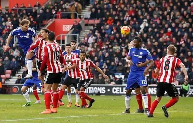 Ivanovic decretou a vitória azul (Foto: Chelsea FC)