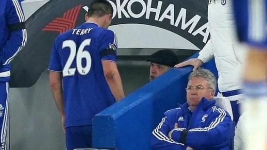 Terry pode ficar de fora de jogo domingo (Foto: Getty Images)