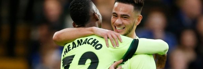 Faupala e Iheanacho comemoram o gol de empate (Foto: Reuters)