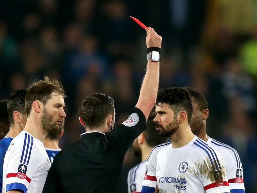 Diego Costa perdeu o controle no jogo contra o Everton pela FA Cup (Foto: Getty Images/ Reprodução)