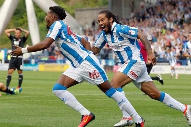 Palmer comemora gol decisivo pelo Huddersfield (Foto: Getty Images)
