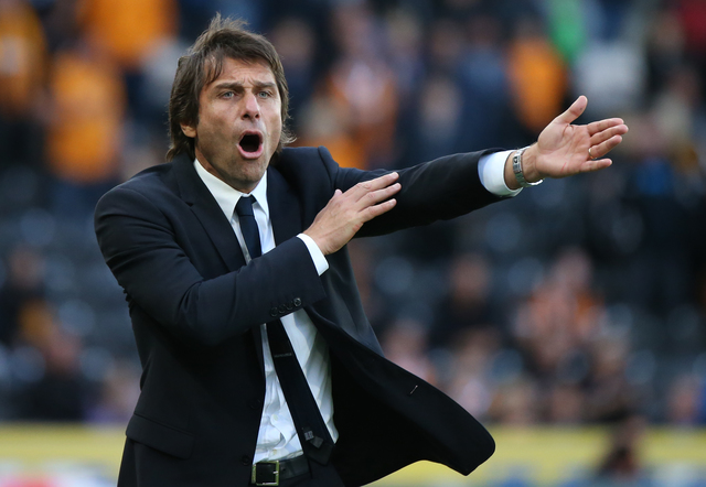 Britain Soccer Football - Hull City v Chelsea - Premier League - The Kingston Communications Stadium - 1/10/16 Chelsea manager Antonio Conte  Reuters / Scott Heppell Livepic EDITORIAL USE ONLY.
