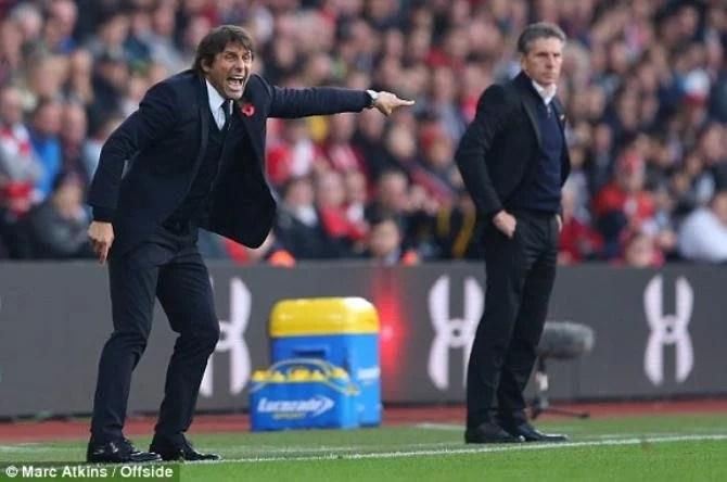 Conte comandando seu time para a vitória por 2 a 0 diante do Southampton. (Foto: Modern Ghana)