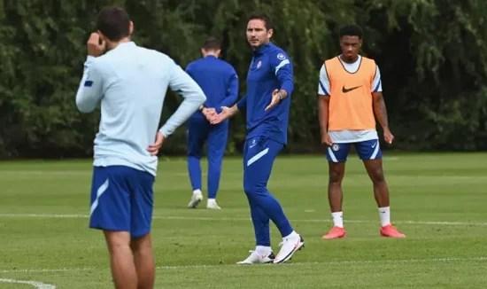 Lampard comanda atividade
