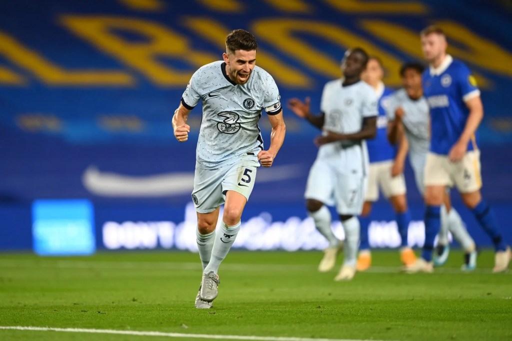 Chelsea e Brighton; Jorginho marcou gol do Chelsea em penalidade máxima.