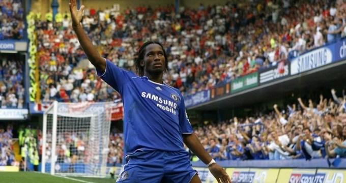 Didier Drogba marca e Chelsea vence Liverpool em 2006.
