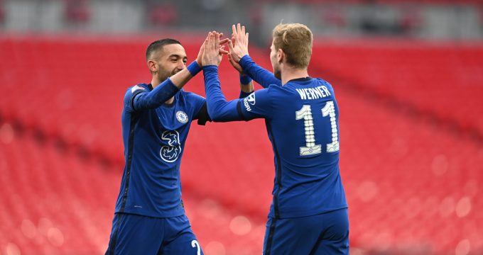 Ziyech e Werner comemoram gol do Chelsea