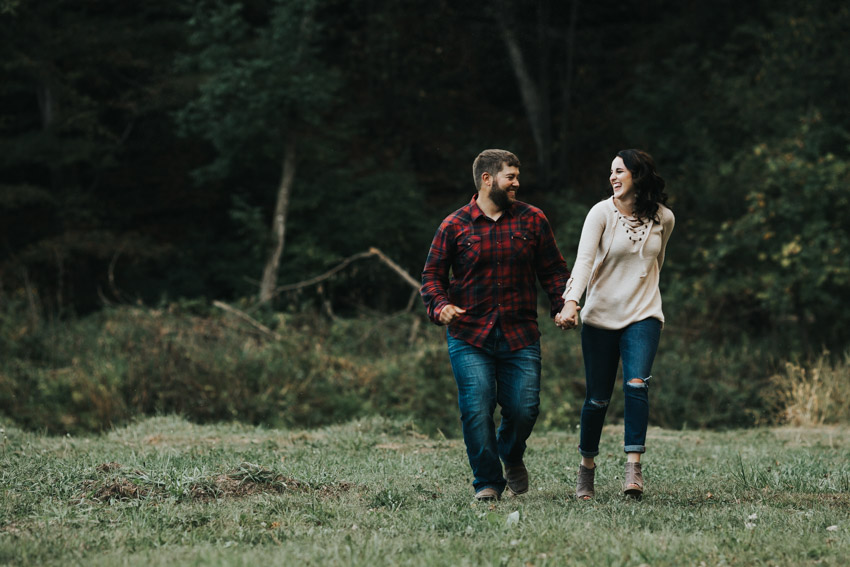 Iowa_Engagement_Photographer_Adventure_Session_Backbone_State_Park
