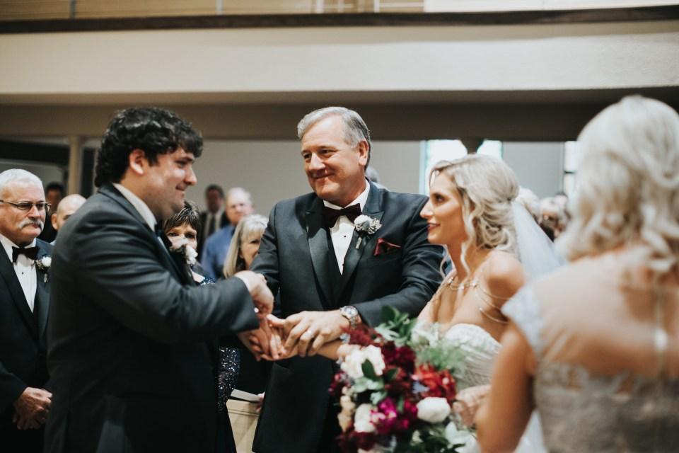 Chelsea Dawn Weddings Lindsay and Jared Cedar Falls IA (41)