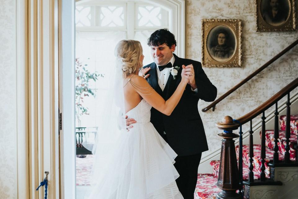 Chelsea Dawn Weddings Lindsay and Jared Cedar Falls IA (66)
