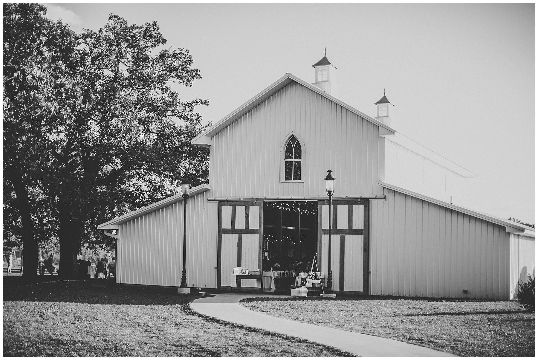 Diamond Oak Events Wedding Photographer