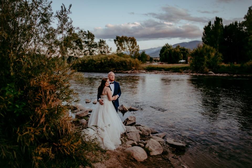 Des Moines IOWA family engagement wedding newborn photographer