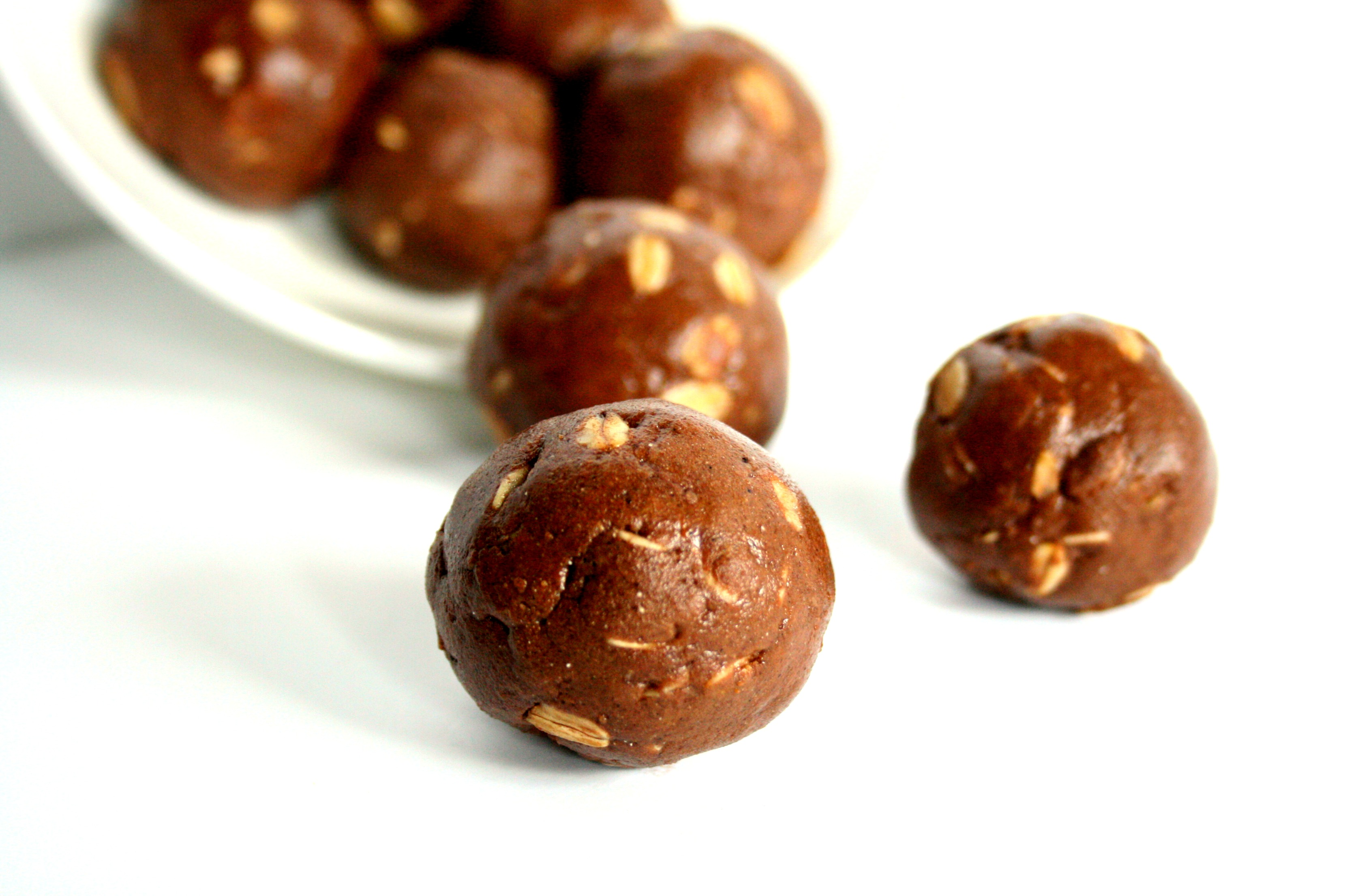 Chocolate Peanut Butter Protein Balls - Chelsea's Choices
