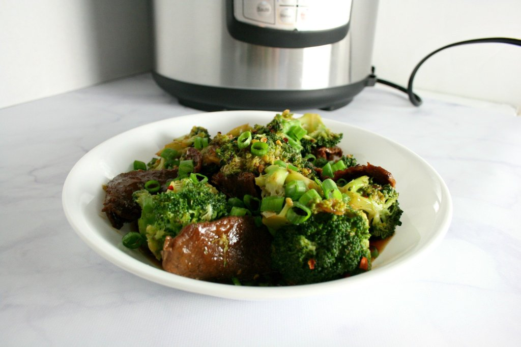 Tired of spending hours in the kitchen? My Instant Pot Mongolian Beef is healthy, flavorful, and most importantly ready in under 30 minutes!