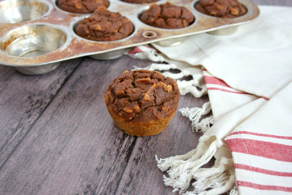 These Healthy Pumpkin Chocolate Chips Muffins are packed with good for you ingredients. They're even oil and refined sugar free. Go ahead, grab one or two for breakfast, snack, or dessert.