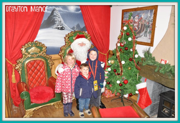 drayton-manor-santa