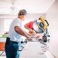 contractors-renovating