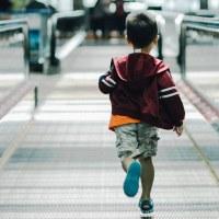 kid-at-airport