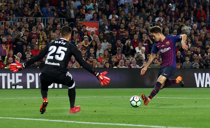 REPORT – Chelsea In Four Team Battle For Out Of Favour Barcelona Playmaker