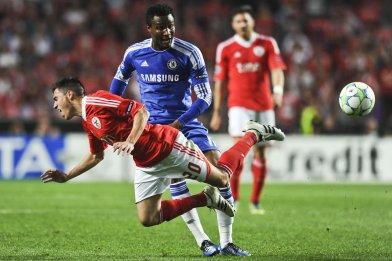 Obi Mikel vs Benfica