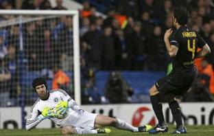 Petr Cech vs Barcelona