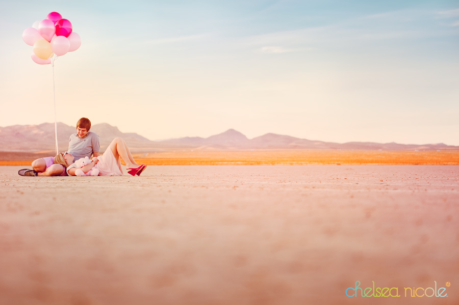 https://i2.wp.com/chelseanicoleblog.com/wp-content/uploads/2011/02/valentines-inspired-couples-shoot-in-the-desert.jpg