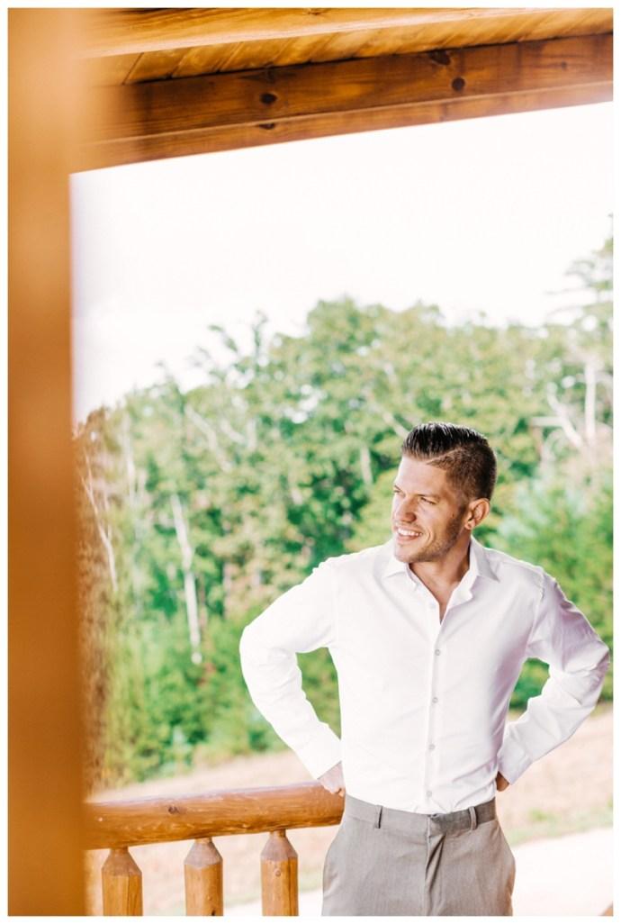 Destination_Wedding_Photographer_Mountain-Top-Cabin-Wedding_Elizabeth-and-Benjamin_Dahlonega-GA_0011.jpg
