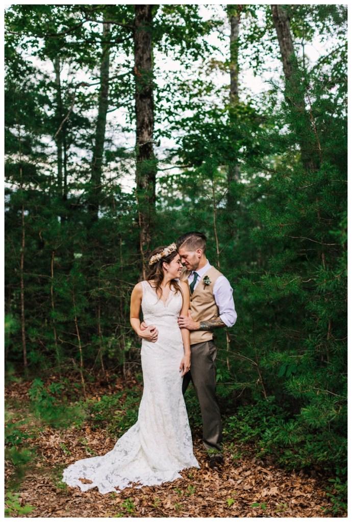 Destination_Wedding_Photographer_Mountain-Top-Cabin-Wedding_Elizabeth-and-Benjamin_Dahlonega-GA_0061.jpg
