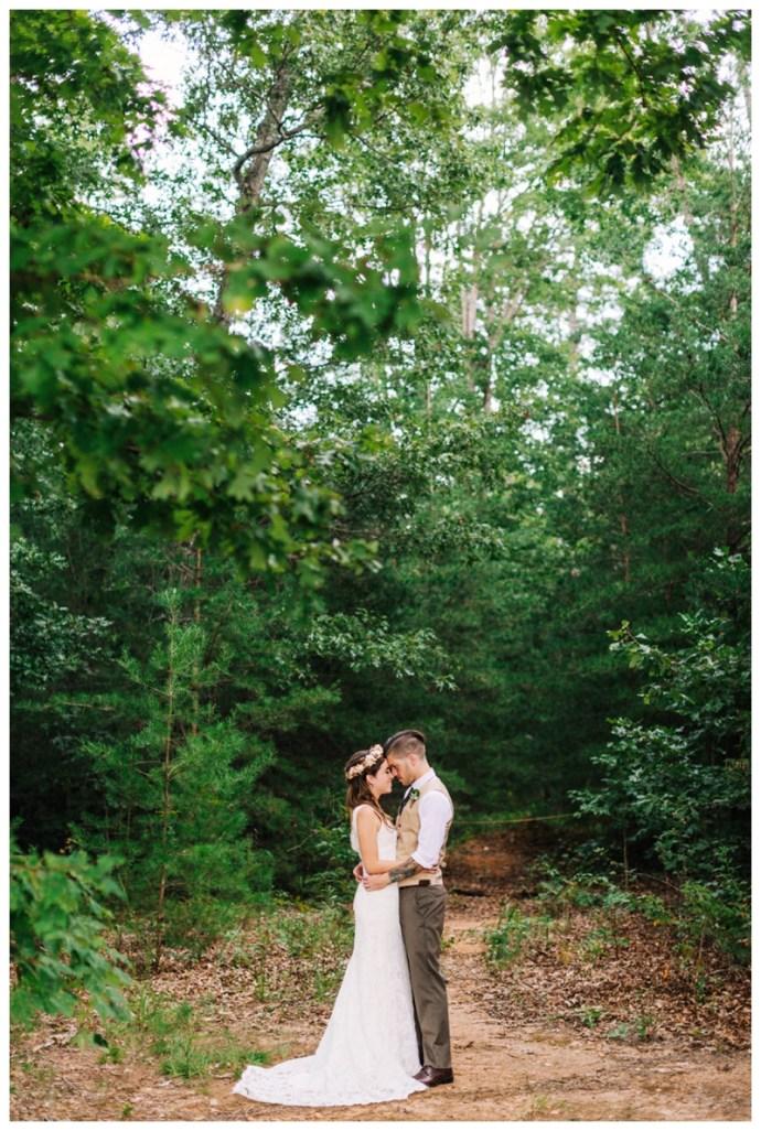 Destination_Wedding_Photographer_Mountain-Top-Cabin-Wedding_Elizabeth-and-Benjamin_Dahlonega-GA_0074.jpg
