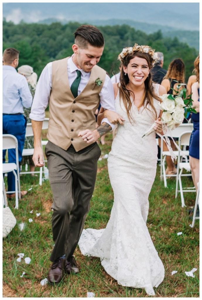Destination_Wedding_Photographer_Mountain-Top-Cabin-Wedding_Elizabeth-and-Benjamin_Dahlonega-GA_0103.jpg