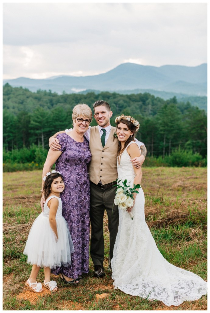 Destination_Wedding_Photographer_Mountain-Top-Cabin-Wedding_Elizabeth-and-Benjamin_Dahlonega-GA_0108.jpg