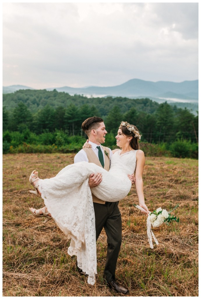 Destination_Wedding_Photographer_Mountain-Top-Cabin-Wedding_Elizabeth-and-Benjamin_Dahlonega-GA_0121.jpg