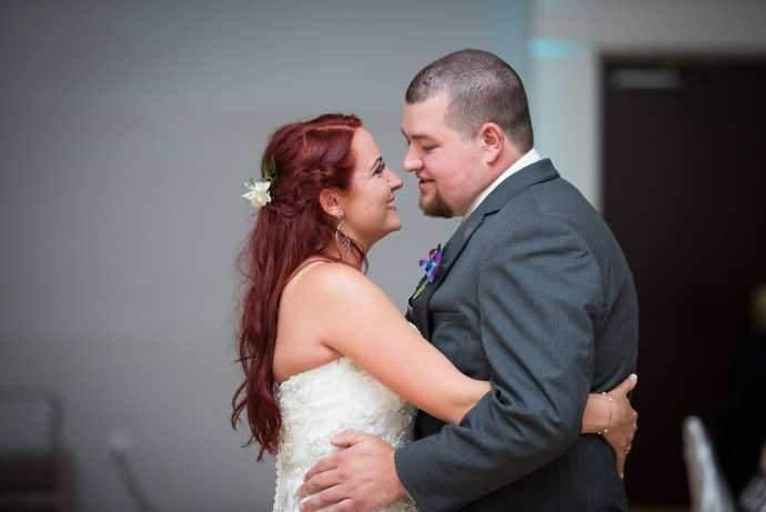 newlyweds first dance at carmens banquet centre hamilton