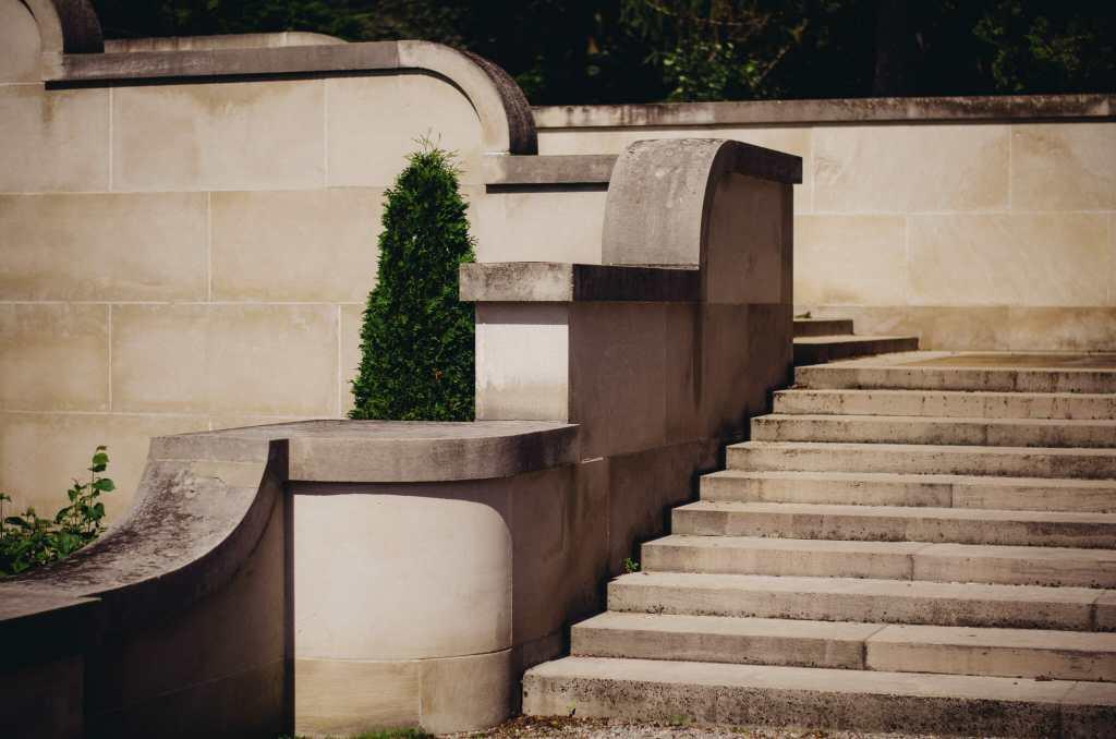 stone stairs at parkwood estate oshawa