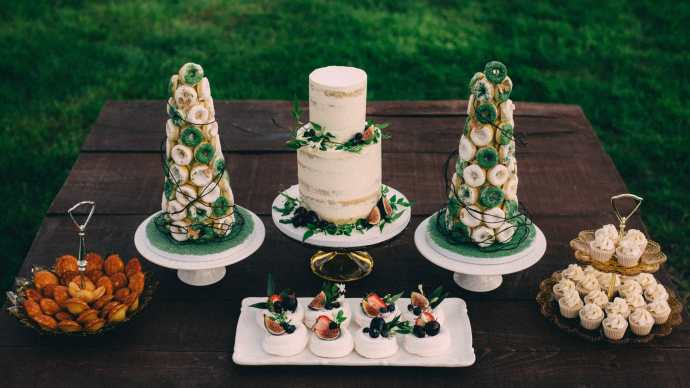 nature inspired cake table