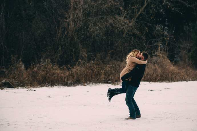 heber down engagement photos kiss
