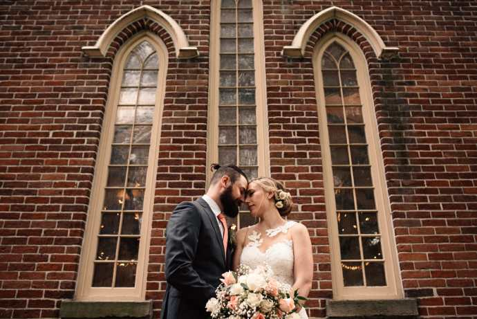 enoch turner schoolhouse wedding photos