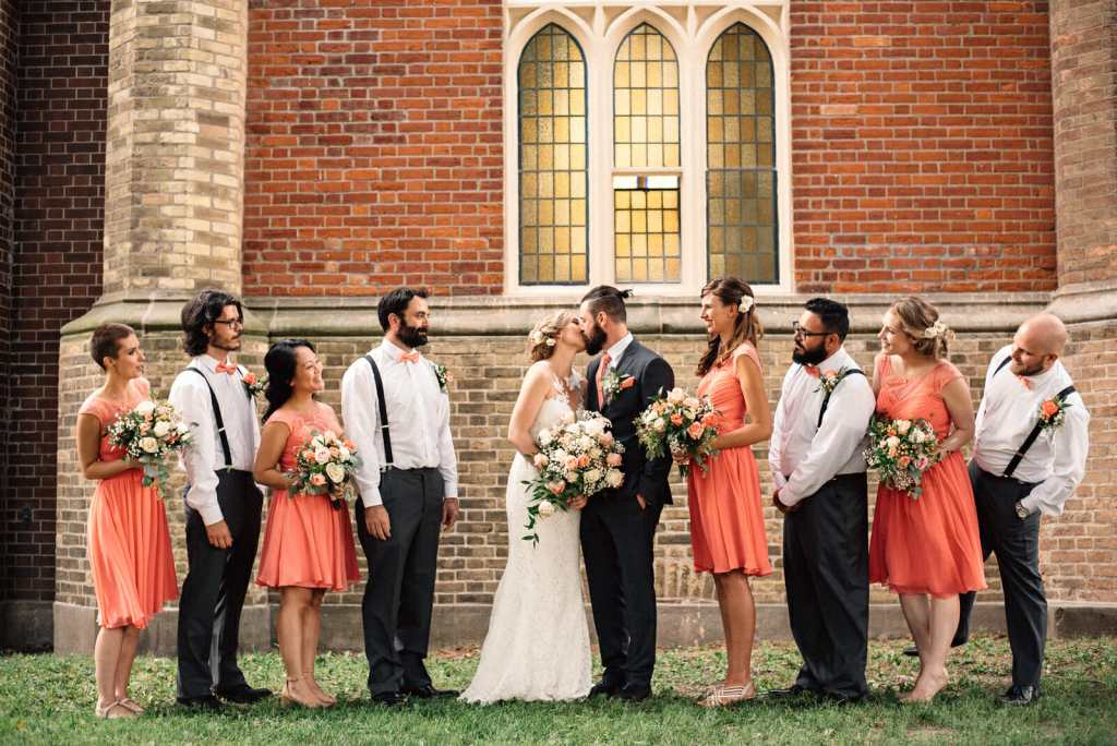 wedding party photos at enoch turner schoolhouse