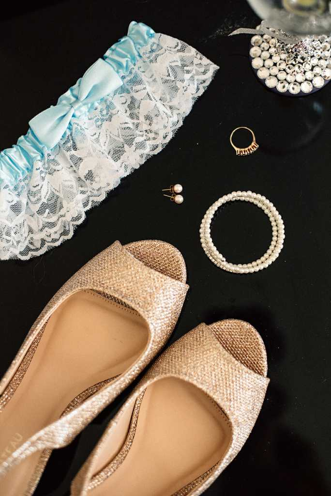 brides shoes, jewelry and garter
