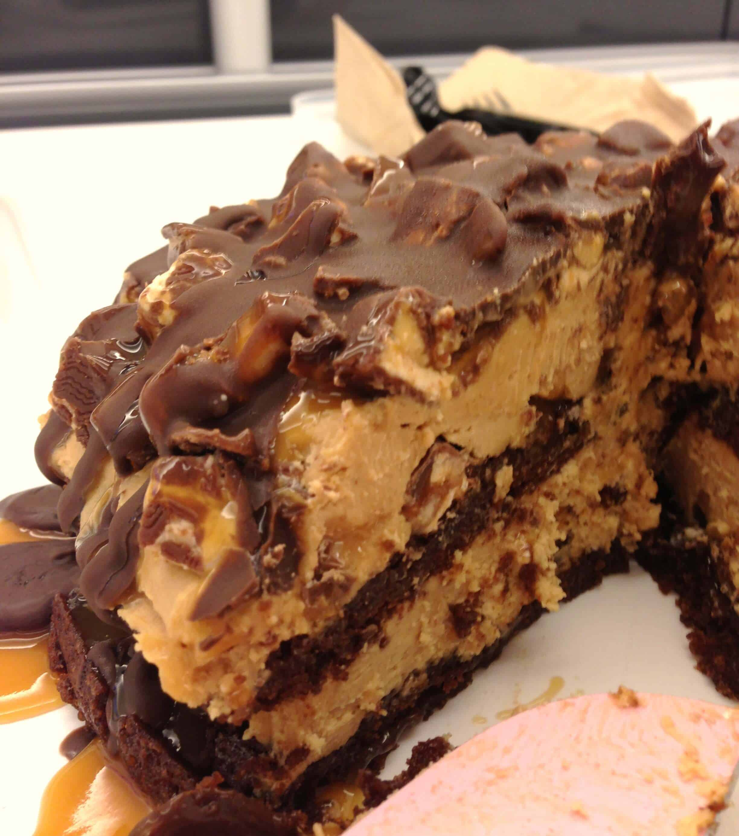 Snickers Ice Cream Cake Chelsweets Kue Brownis By Nature Cakes Bali I Then Let This Completely Freeze And Brought It Into Work Turned Out Wonderfully The Consistency Of Layer Was Perfect Frozen