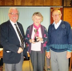 Knockout Trophy winners - Doreen & Barry Steel