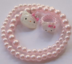 collier-bague-avec-perles-fille